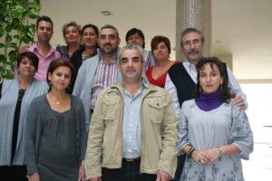 Nueva Junta Directiva, encabezada por Francisco Mora, junto a la expresidenta Pilar Triguero
